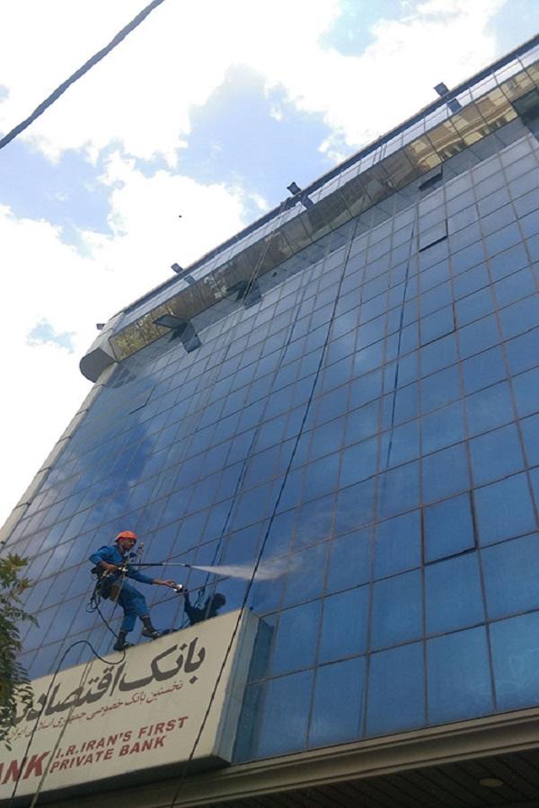 نظافت نمای شیشه ای قیمت نما شویی ساختمان