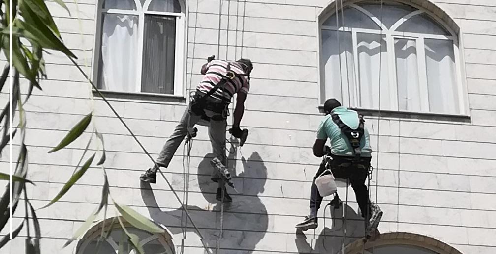 قیمت حدودی پیچ و رولپلاک سنگ نمای ساختمان در تهران و کرج